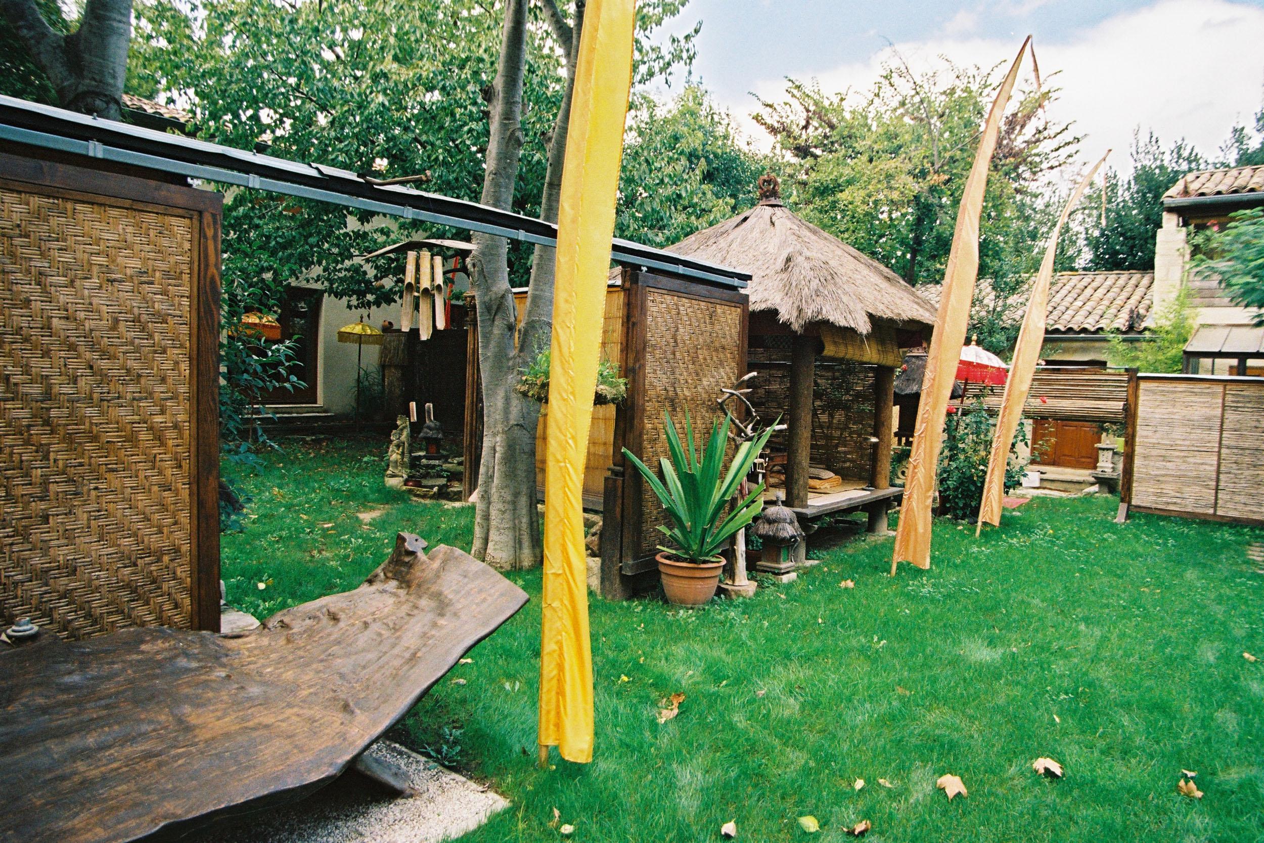 cheap-rental uzes-garden-parking